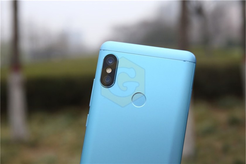 Xiaomi Redmi Note 5, Xiaomi, Redmi Note 5, смартфон, обзор, характеристики, спецификации, фото, Snapdragon 636, Quick Charge 3.0, Beautify 4.0
