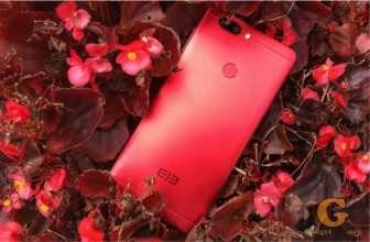 Elephone P8 Mini: раскрашен в красный и синий цвета